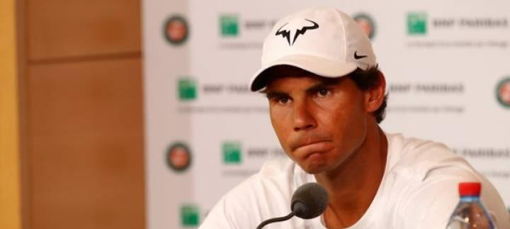 Instante de la rueda de prensa donde Rafa Nadal anunciaba su retirada de Roland Garros (C) Getty Images