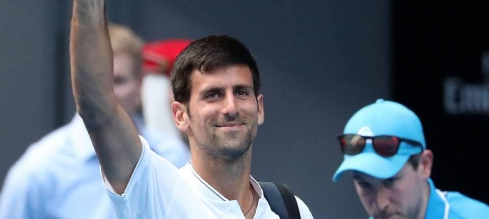 Djokovic se despide del público en su derrota en segunda ronda en el Abierto de Australia