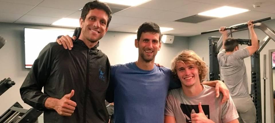 Djokovic en el gimnasio preparando el inicio de temporada 2018