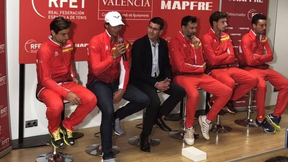 La selección española de Copa Davis respondiendo preguntas de los más pequeños en Valencia