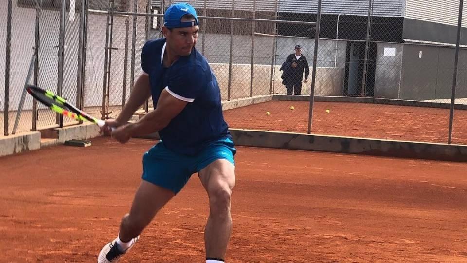Rafael Nadal entrenando este jueves en su academia - 11 abril 2019