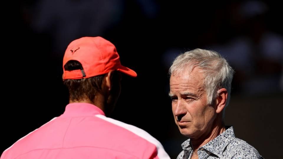 John McEnroe entrevistando a Rafa Nadal durante el Open de Australia 2020