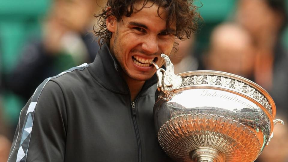 Rafa Nadal levanta la Copa de Roland Garros 2012